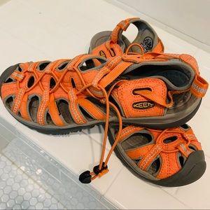 Women's Keen waterproof sandals Sz9.5